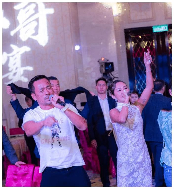 """港媒曝洗米嫂""""妙法""""赢回老公,刘碧丽因心急坐正,导致马失前蹄"""