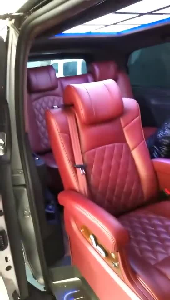 视频:奔驰商务施工作业中,改装威霆航空座椅