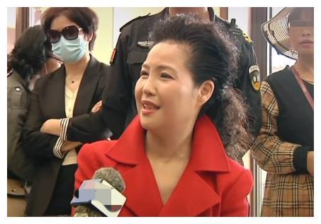 梦鸽近照曝光,55岁说话仍娇滴滴,曾被曝主动追求大27岁李双江