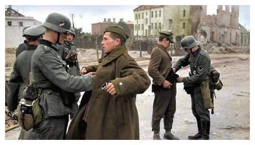 """纳粹第一硬汉:获""""十字勋章""""当晚飞机失事,希特勒亲自主持葬礼"""