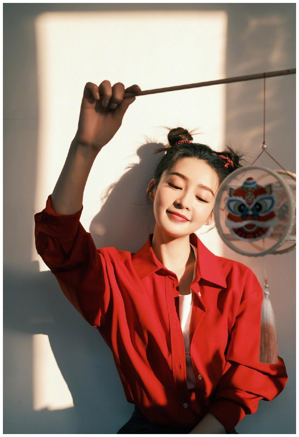 李沁近期美照:张张都很漂亮