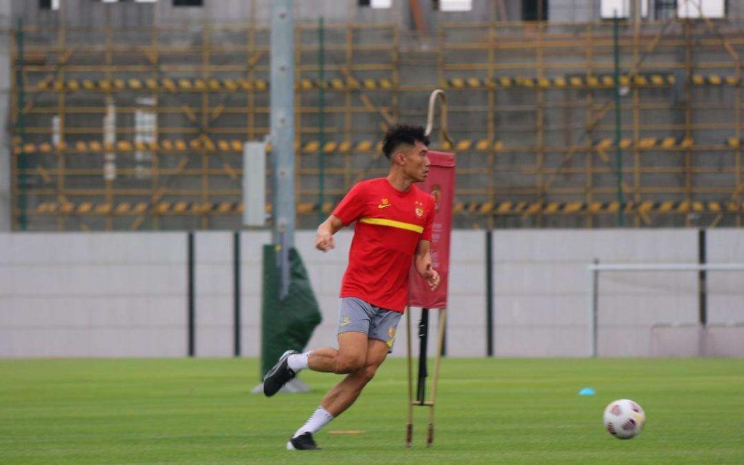 郑智在2021赛季中超联赛继续征战比赛,郑智备战新赛季中超