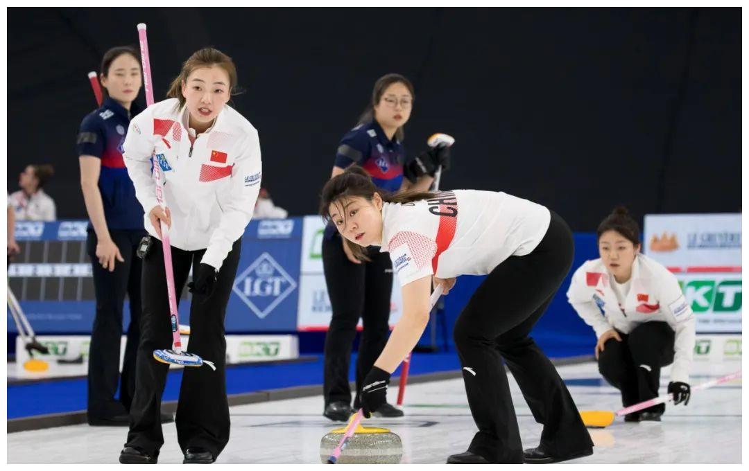 一胜一负 中国队保留女子冰壶世锦赛晋级希望