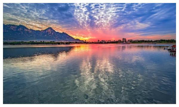 安徽境内的一处湖泊,李白还曾为他写下诗句,夏日避暑不