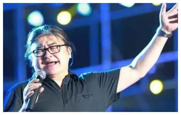 57岁的歌王刘欢病情恶化,妻子不离不弃,如今身体状况令人担忧
