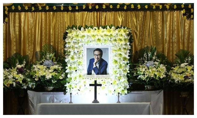 灵堂庄重大气,超37位明星送花圈哀悼,达叔一路好走!