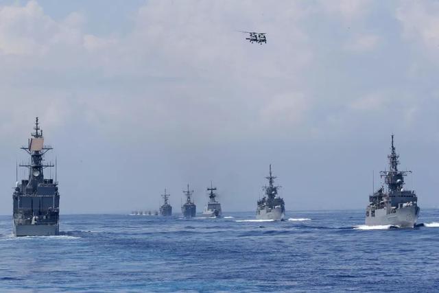 军舰海上遭遇强台风,损失146架战机800名士兵,给<a href=