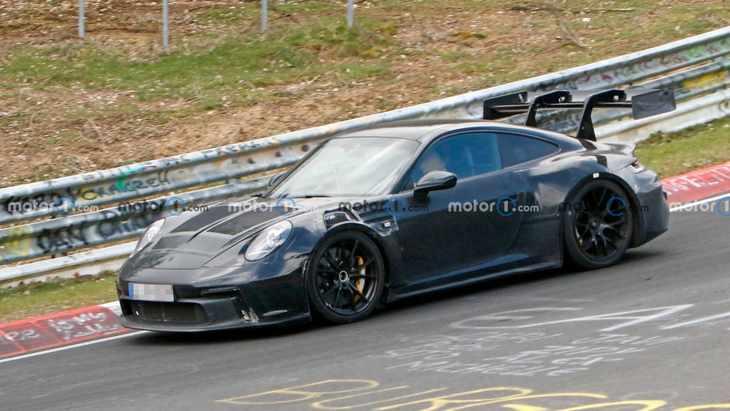 """扰流板尺寸过于""""离谱"""" 全新保时捷911 GT3 RS最新谍照"""