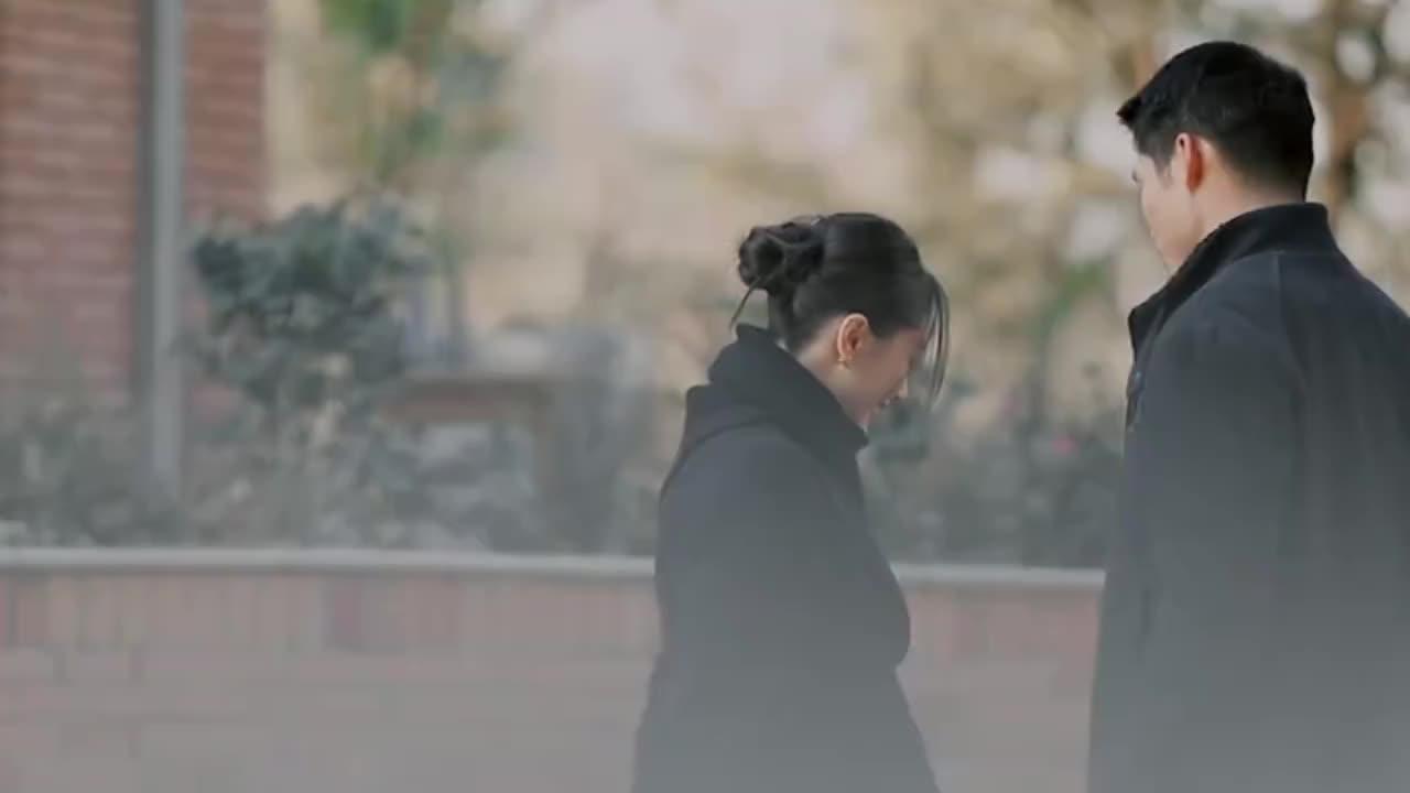 王子文吴永恩当众接吻,一旁的王大陆都看红脸,网友:太羞耻了!
