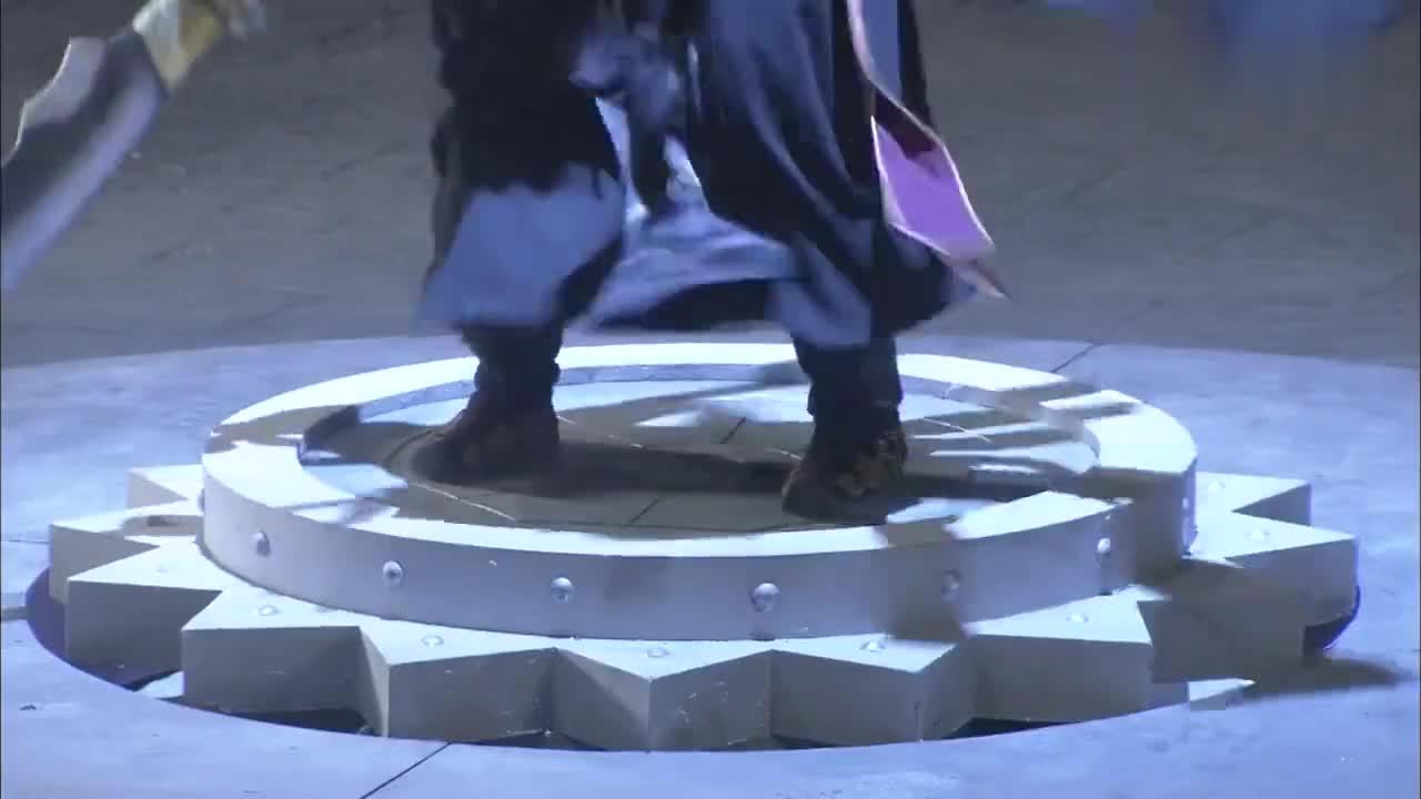 石敢当之雄峙天东:男子化身蟒蛇,被女子冻着