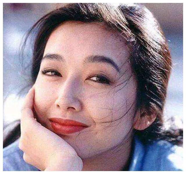 敢爱敢爱的江珊:与高曙光离婚,错过靳东,如今52岁恋上小鲜肉