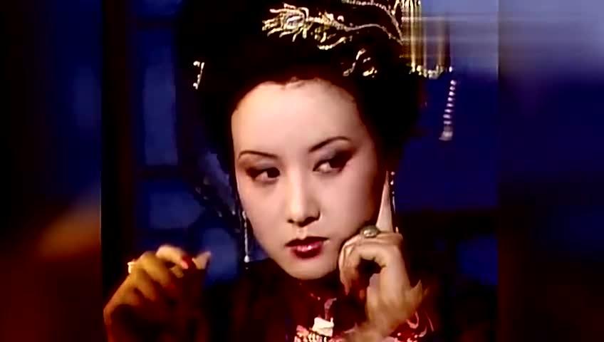 邓婕生活真实状态曝光,和电视中天差地别,不说名字根本认不出!