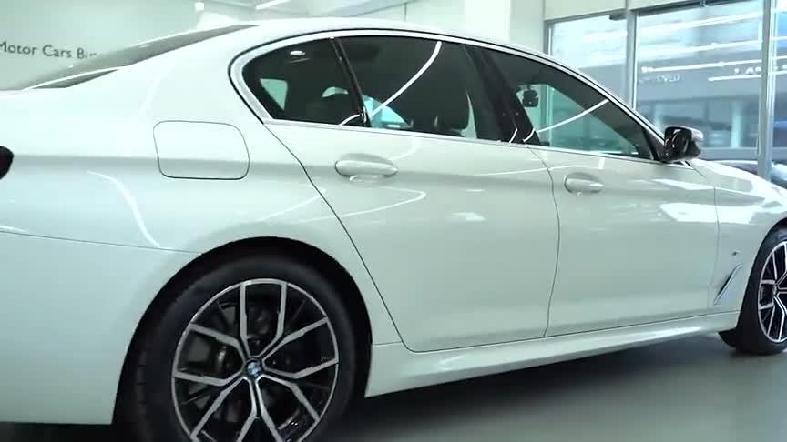 视频:2021款宝马5系530i到店实拍,有这颜值和配置,我放弃了奔驰E级