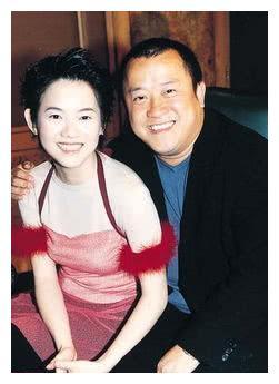 曾宝仪主持过的节目_曾志伟的大女儿46岁了,不结婚不生孩子,皱纹疯长越老越像爸爸 ...