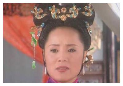 刘芳救场演青青河边草,还珠格格副导演,与岳跃利离婚后低调二婚