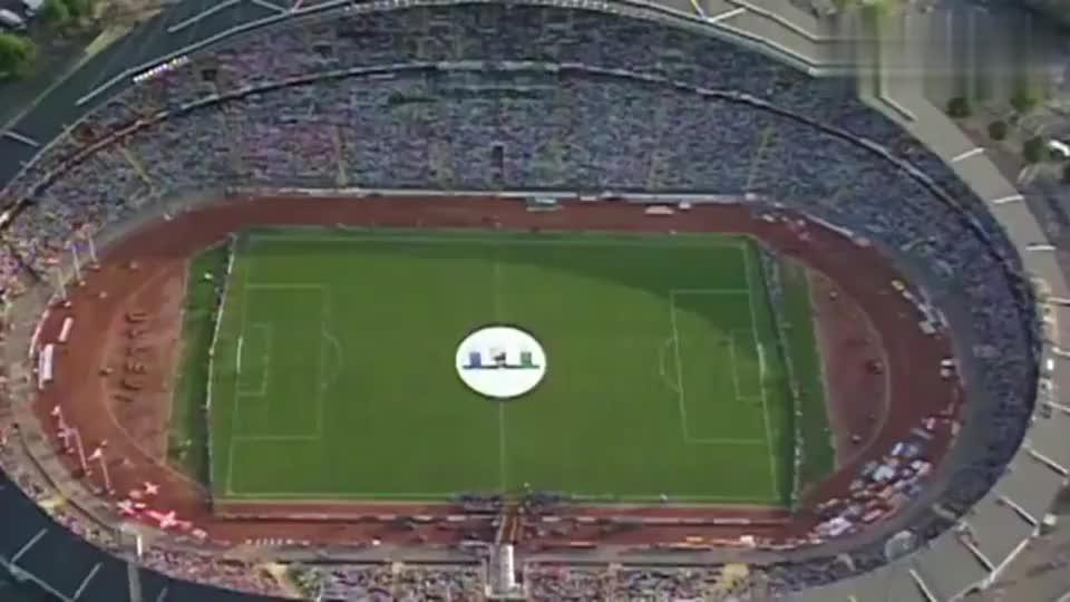 传奇球星站台圣彼得堡庆祝2020欧洲杯倒计时一周年