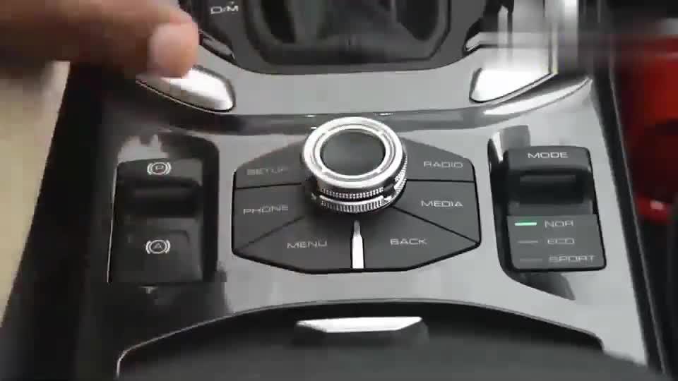 视频:新款哈弗H6新车回店,打开车门见到内饰