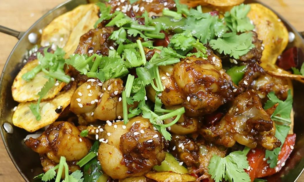 巧湘厨正宗干锅牛蛙做法,蛙肉紧实不失鲜嫩,麻辣鲜香一口一块!