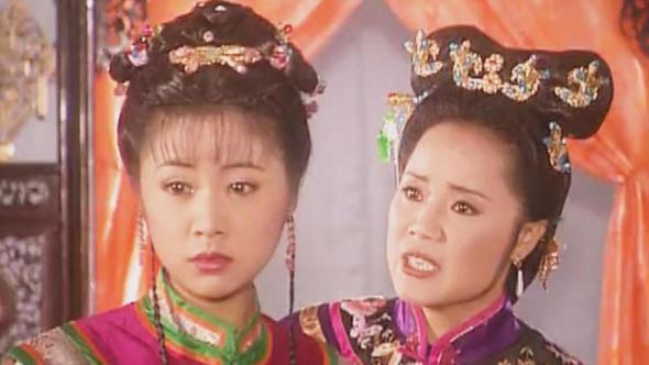 还珠格格:福家嫌弃紫薇身份尴尬,为何皇阿玛从不嫌弃小燕子?