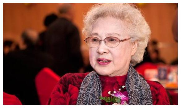 德州秦怡女儿结婚_快100岁了还在演电影,令人敬佩,丈夫儿子都已经去世__财经头条