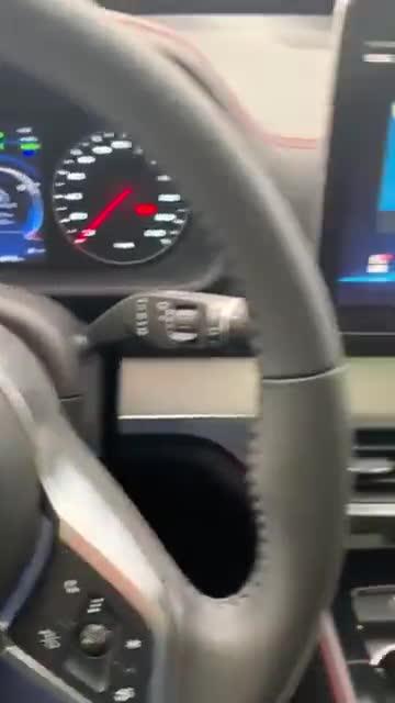 被汽车的语音智能给盘了