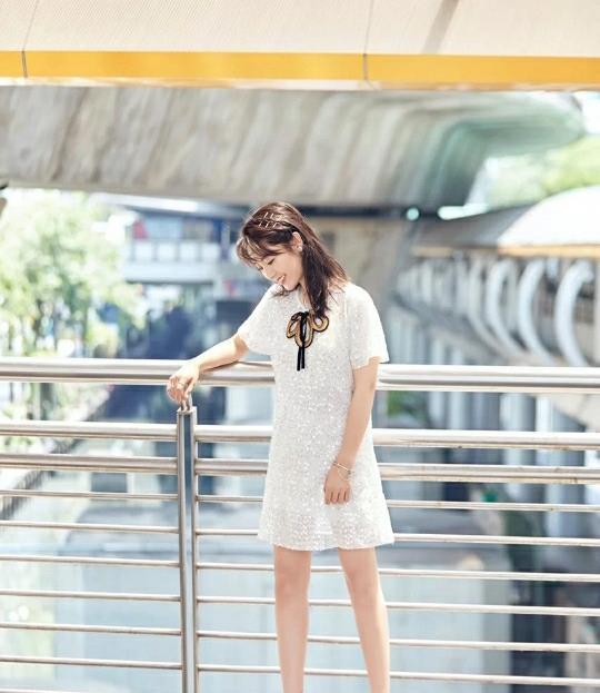 拒绝平庸追求时尚,这些穿衣风格需要你的尝试,百搭阳光有活力
