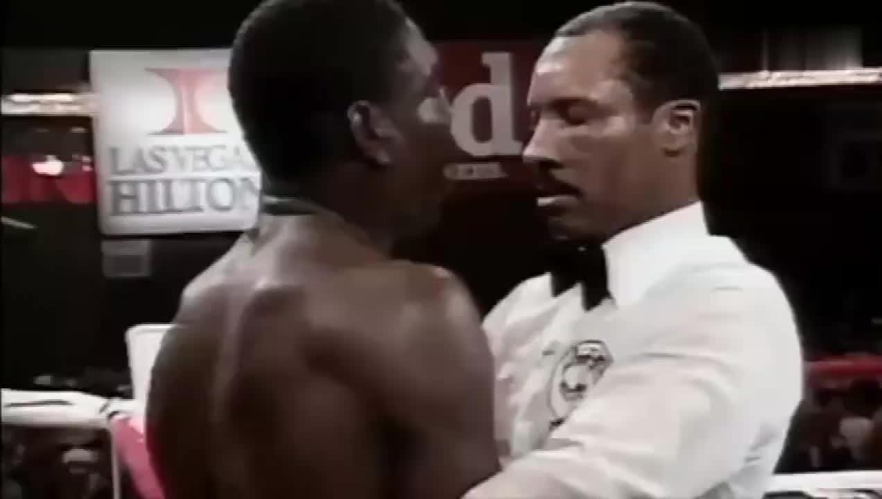 泰森生涯最快的一次KO,仅用一拳7秒解决问题,打的对手倒地不起