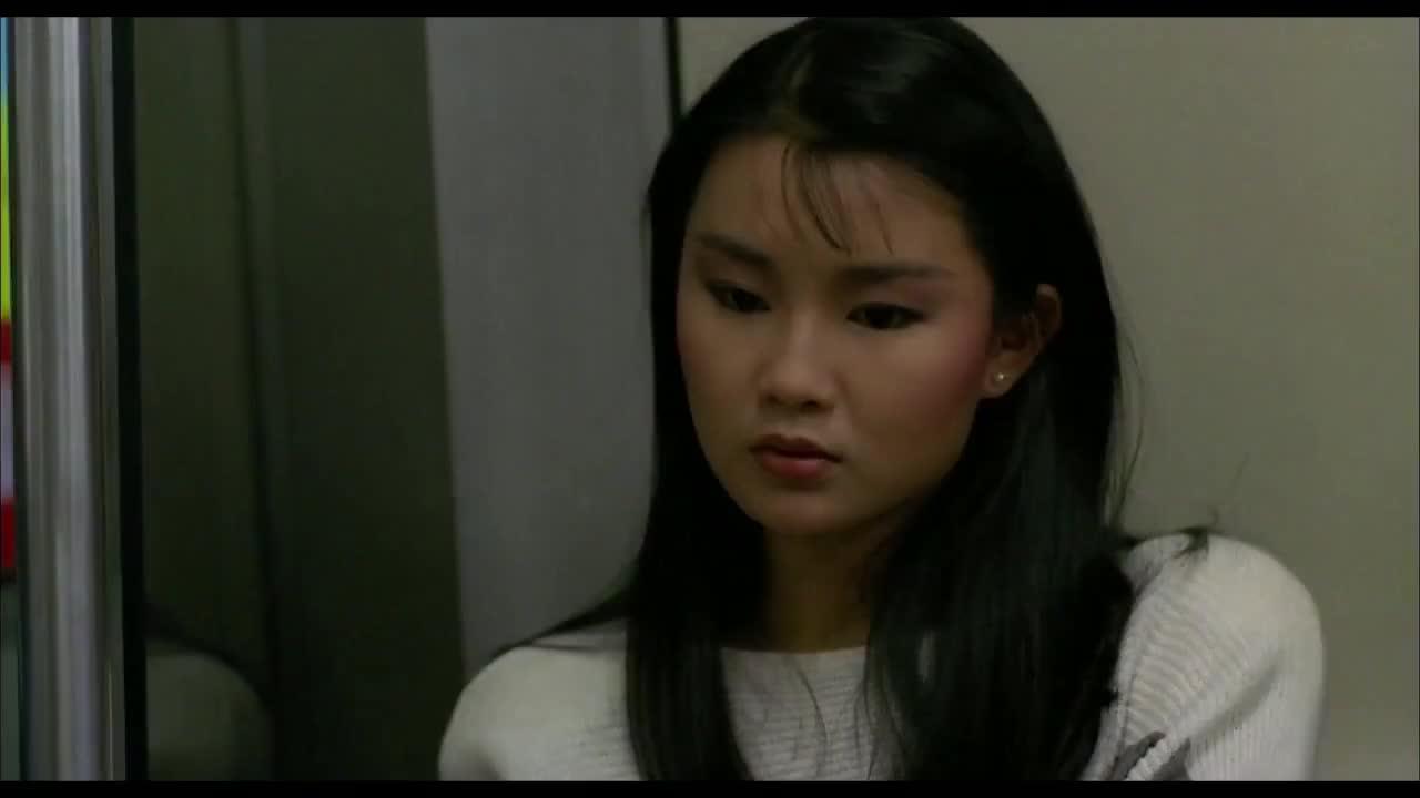 21岁梅艳芳地铁调戏张国荣,坐一旁的张曼玉笑了!