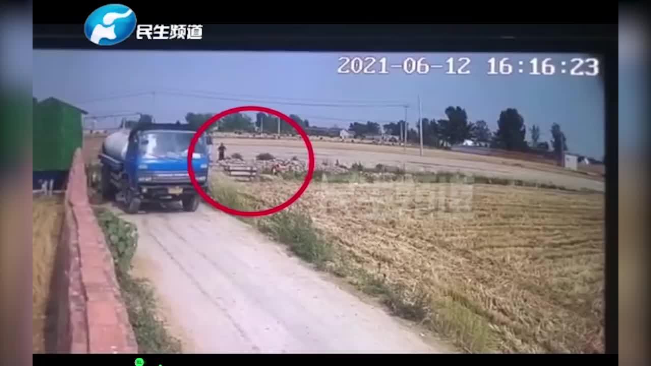 田地埋的汽油罐突然爆炸!11岁男童被炸伤住院!