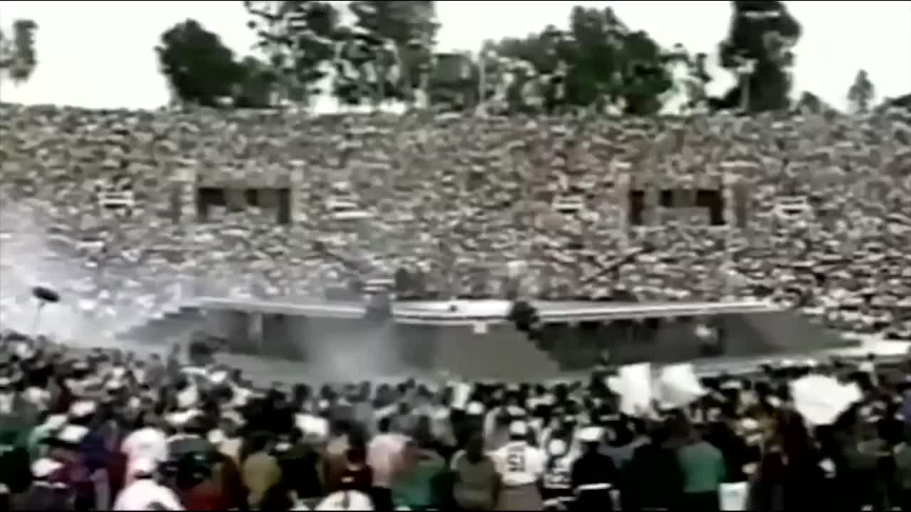 迈克尔杰克逊最霸气的时刻,超级碗转播,10亿人看他站立不动!