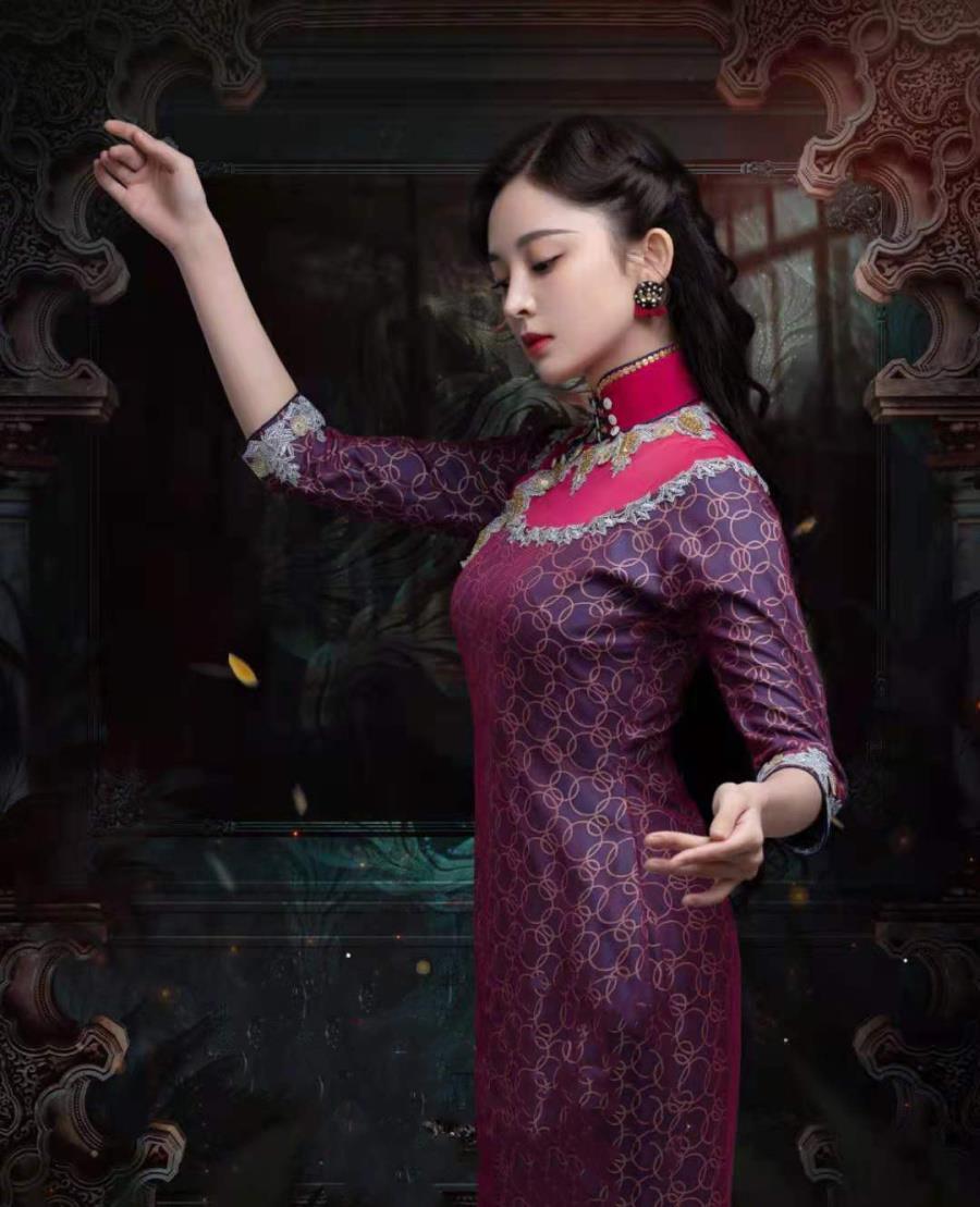 古力娜扎,一身旗袍凸显东方美!