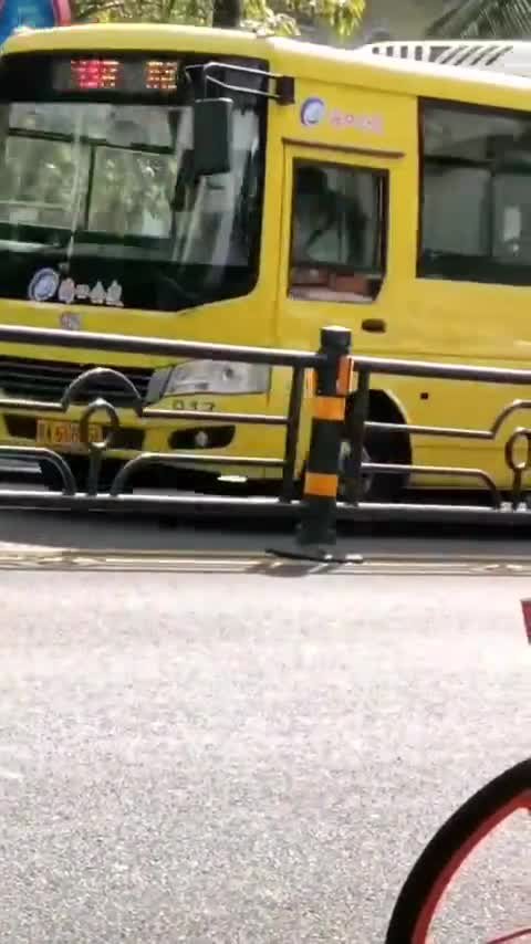宝马3系vs奔驰C级,谁更安全?