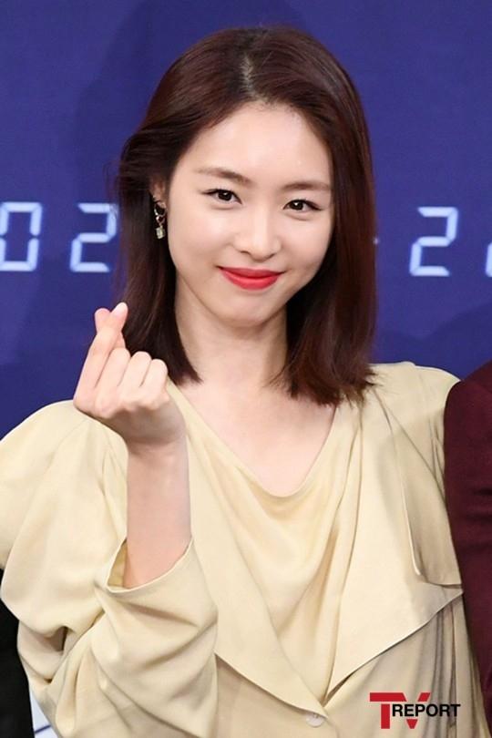 SM宣布李沇熹6月结婚!还有写给粉丝的亲笔信