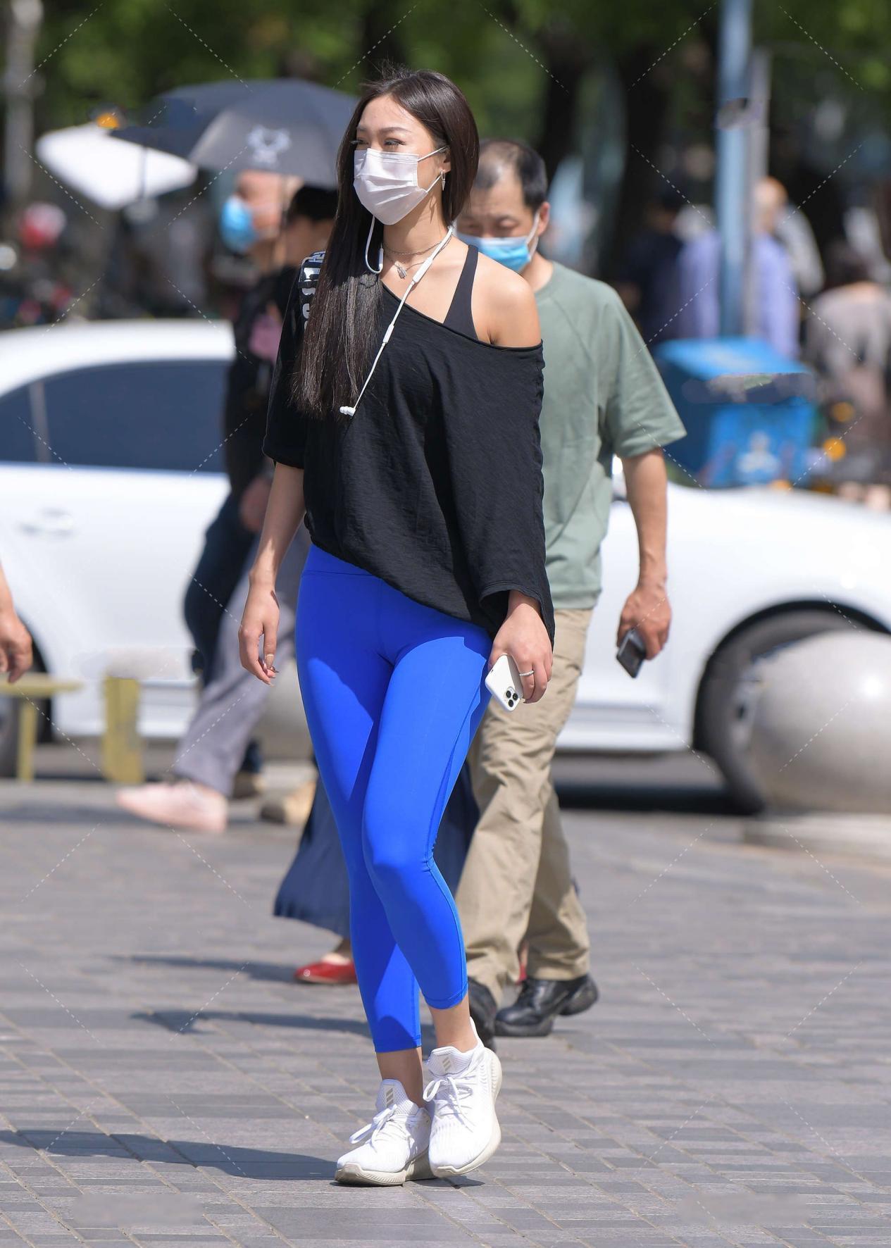 时尚:九分裤穿搭,从颜色上为整体风格增添色彩,独特又美丽
