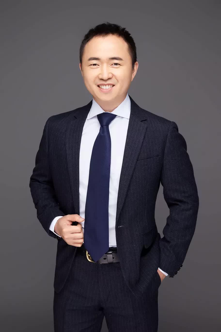 《【杏耀平台手机版登陆】速来围观!宝藏基金经理贾鹏如何通过股债双通演绎攻守平衡?》