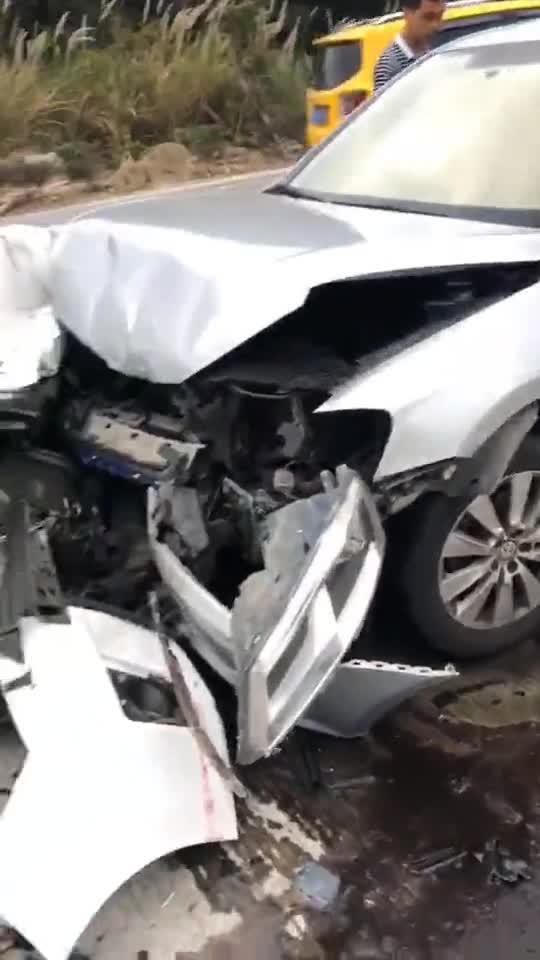 视频:大众和丰田卡罗拉现实版与中保研的正面碰撞较量