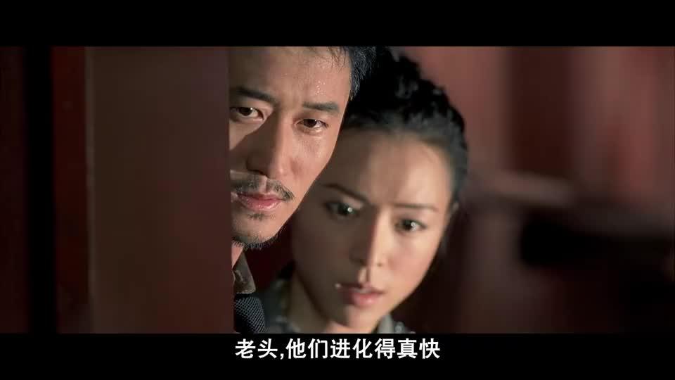 吴京和张静初化身特种战士,两颗闪光弹后强势登场,太厉害了