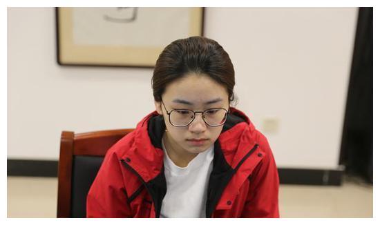 扇港杯:於之莹击败崔精 实现该赛事三连冠
