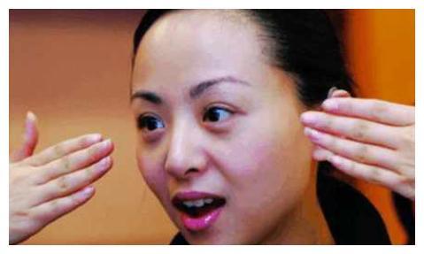 """""""千手观音""""邰丽华,被富豪追了8年,最后却选择嫁给高材生"""