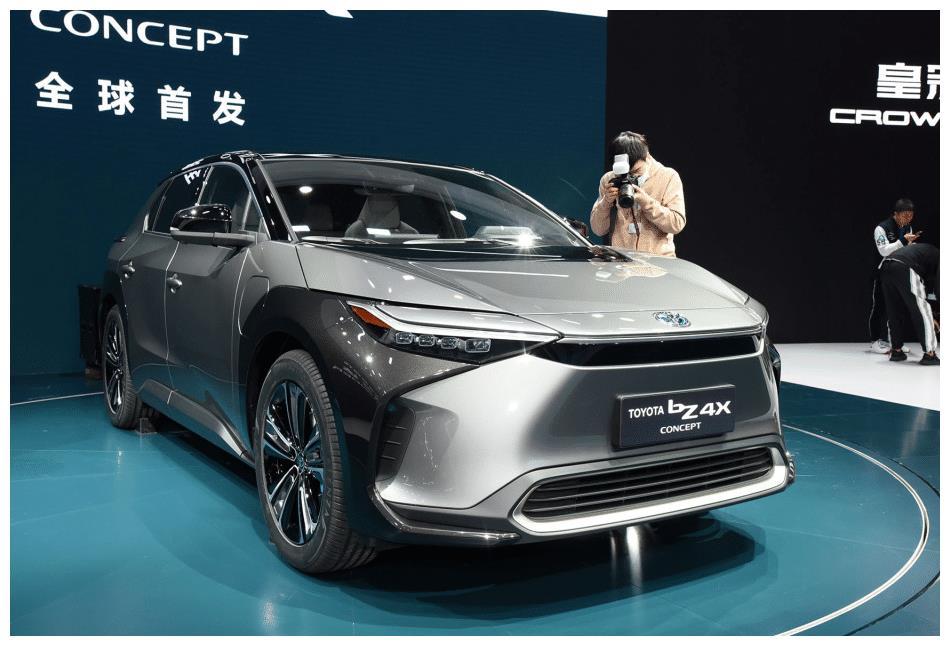 丰田彻底爆发了!新SUV比宝马X3帅气10倍,上市还要啥本田皓影