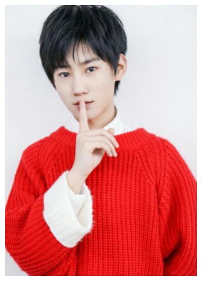 张真源中央戏剧学院音乐剧专业第26名, 曾以tyt组合成员出道。