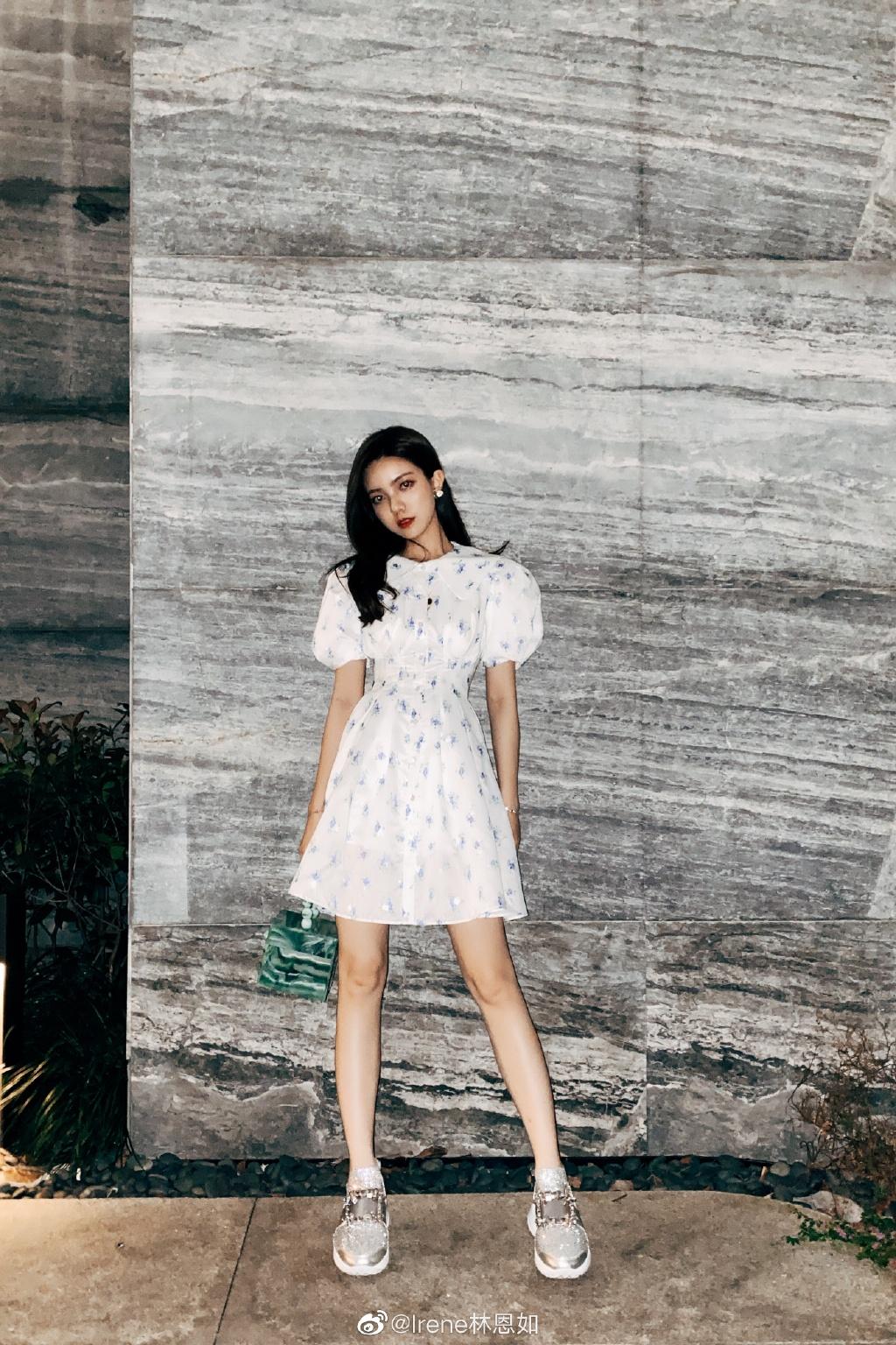 美女网红模特林恩如最新自拍照