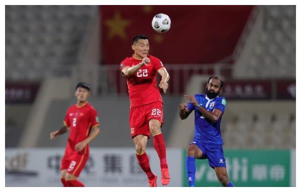 胡说八道(一)中国队要提防澳男足的高空威胁,想赢球不能上王刚