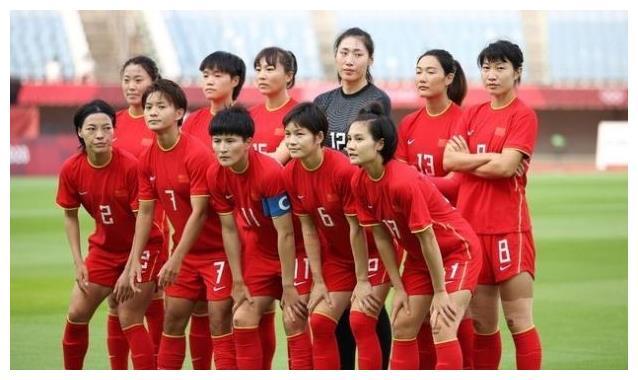 2分钟2球!王霜23分钟戴帽!王珊珊进球被吹,中国女足半场3-2