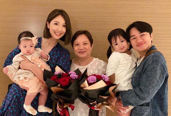 """王祖蓝微博""""晒娃"""",妹妹和姐姐有种双胞胎既视感"""