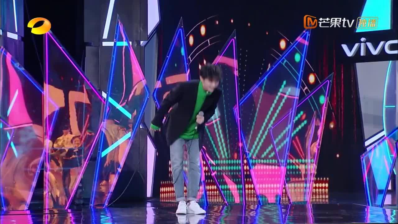 快本:爷青回!蔡国庆与马嘉祺合作舞台引发满满的回忆!