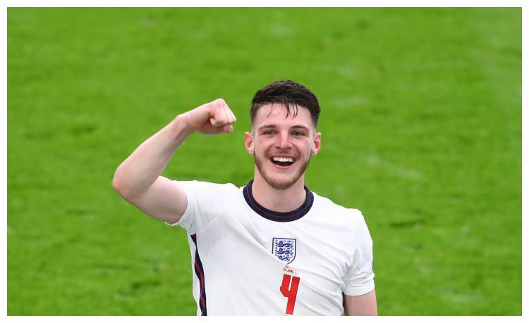 火了!英格兰22岁球星身价飙升,转会费1亿起步,切尔西出手慢了
