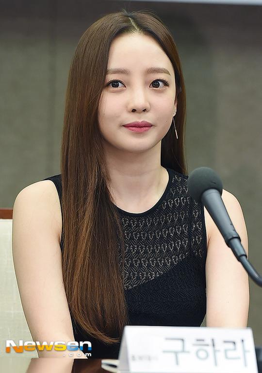 《具荷拉法》未得到韩国国会通过 具荷拉亲哥哥将对母亲审判请求诉讼