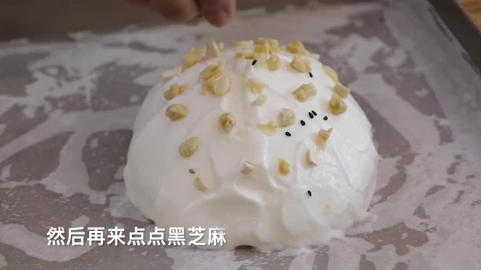在家用鸡蛋自制牛奶冰糕,家庭做法简单易学,冰爽香甜,比买的香