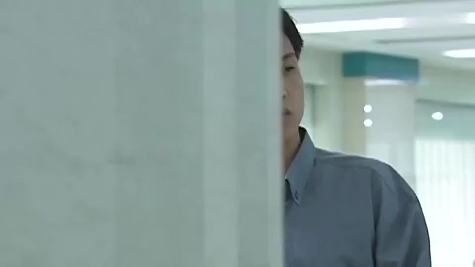 刘华强乔装打扮, 来医院看望弟弟, 成功逃过警察的法眼